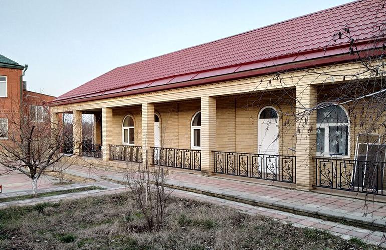 Частный дом с участком